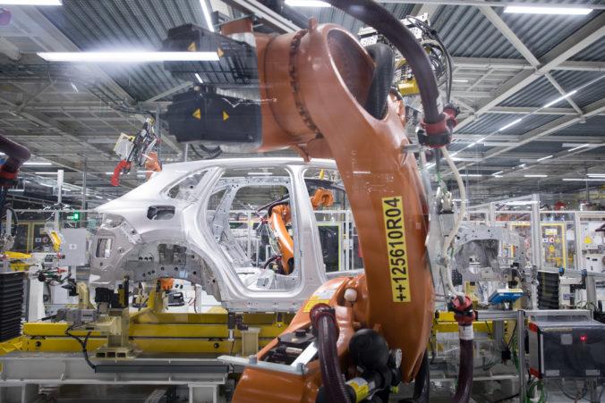 Vedenie Volkswagenu rozhodnutie o prípadnom presunutí výroby Passatov na Slovensko odložilo