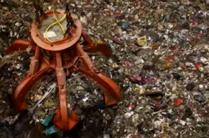 Video: Najväčšia skládka odpadu v Číne je takmer plná, mala však vydržať ešte 25 rokov