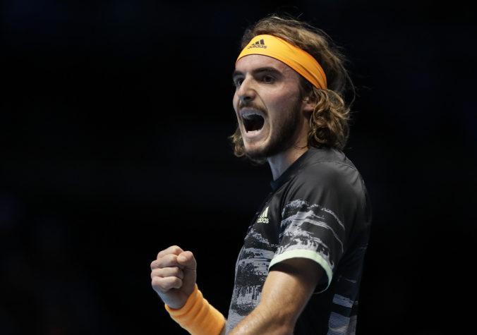 Federer nezíska na ATP Finals svoj siedmy titul, grécky mladík Tsitsipas porazil legendu