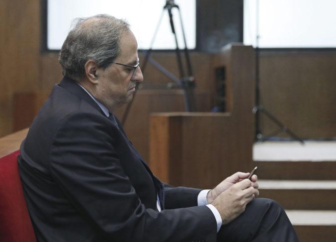 Katalánsky líder sa postavil pred súd, údajne neodstránil separatistické symboly zo sídla vlády