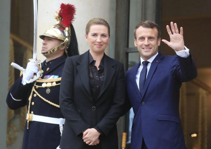 Prezident Macron a dánska premiérka Frederiksen sú za väčšiu harmonizáciu azylových procedúr
