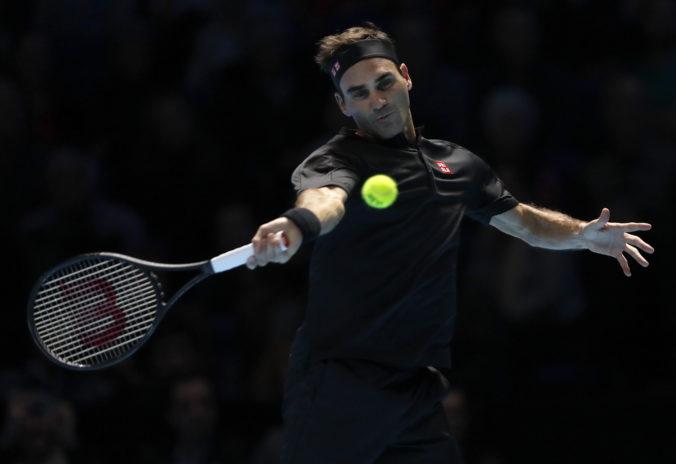 Federer plánuje v tenise pokračovať, rozlúčka s kariérou závisí od zdravotného stavu