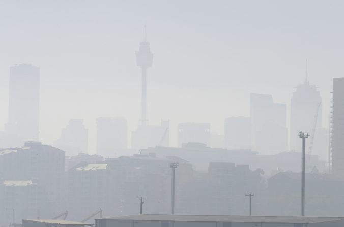 Video+foto: Sydney zahalil dym z lesných požiarov, vydali varovanie pre obyvateľov
