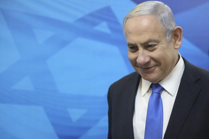 Izraelský premiér Benjamin Netanjahu bol obžalovaný z korupcie