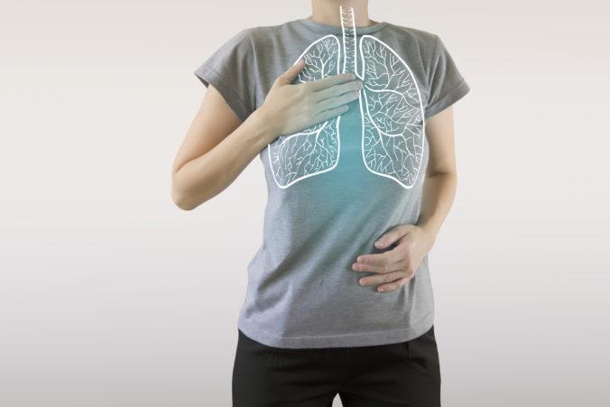 Chladný vzduch sťažuje život chronickým pacientom a ohrozuje aj zdravé pľúca