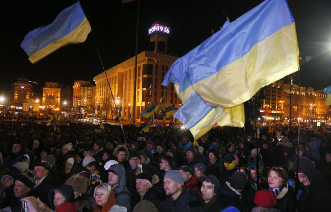 Video: Tisíce Ukrajincov si pripomenuli výročie masových protestov, viedli k úteku Janukovyča