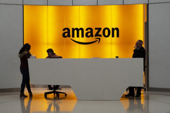 Amazon zažaloval Pentagon pre desaťmiliardovú zákazku na cloudové služby od Microsoftu