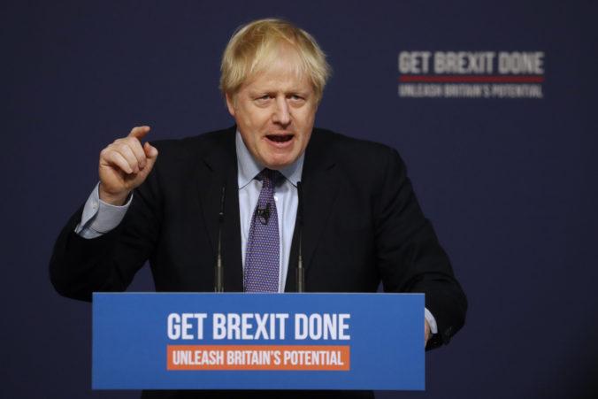 Premiér Johnson predstavil volebný program konzervatívcov, prisľúbil uskutočniť brexit