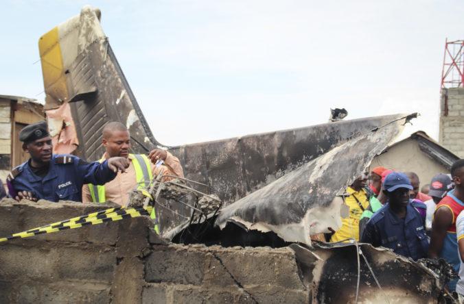 Video: Lietadlo Dornier 228 sa asi minútu po štarte zrútilo, zahynulo aj deväť členov rodiny