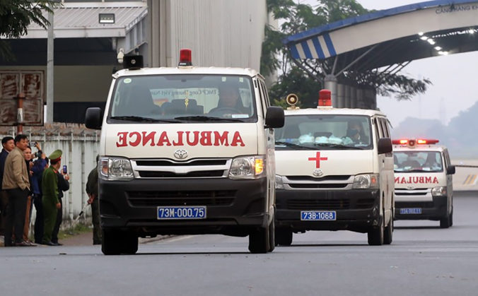 Do Vietnamu dopravili prvé telá obetí, ktoré našli v kamióne s 39 mŕtvymi migrantmi