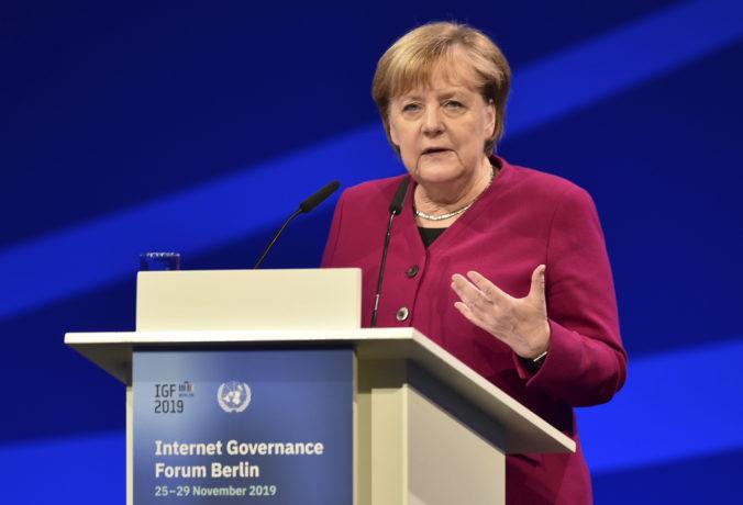 Merkelová zdôraznila potrebu zachovania NATO aj dôležitosť zotrvania Turecka v aliancii