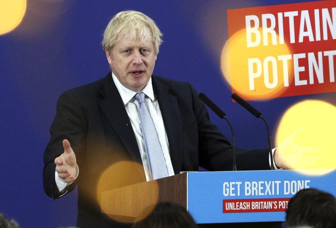 Johnsonovi nemôžete veriť ani slovo, britská opozícia pred voľbami stupňuje útoky na premiéra