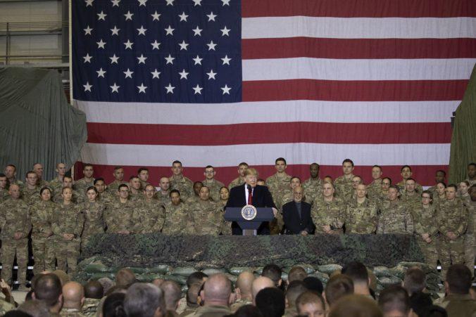 Video: Prezident Trump prekvapil amerických vojakov v Afganistane