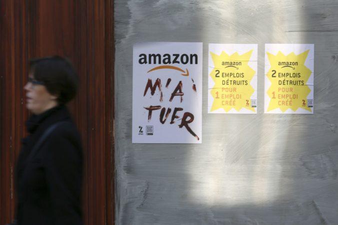 Video: Aktivisti zablokovali sklad Amazonu, protestovali proti Black Friday