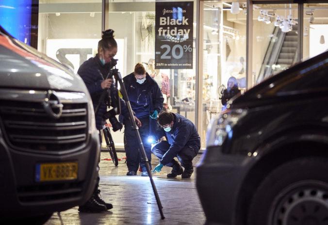 Obete útoku v Haagu už prepustili z nemocnice, muž je stále na úteku