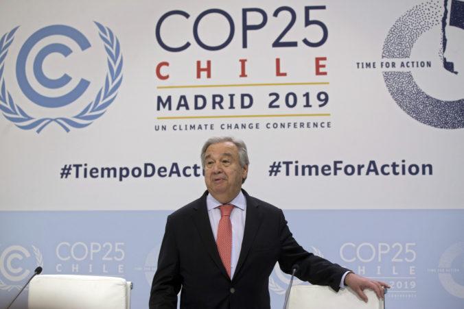Svet má vedecké vedomosti a technické prostriedky na udržanie globálneho otepľovania, povedal António Guterres