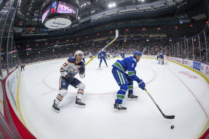 """""""Olejár"""" McDavid je hráčom mesiaca v NHL, v prvej trojke aj Kane z Chicaga"""