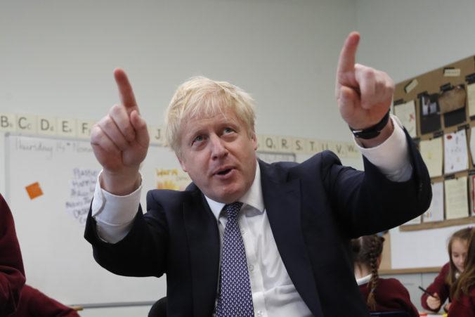 Aj premiér Johnson trvá na digitálnej dani pre Google aj napriek hrozbe zo strany USA
