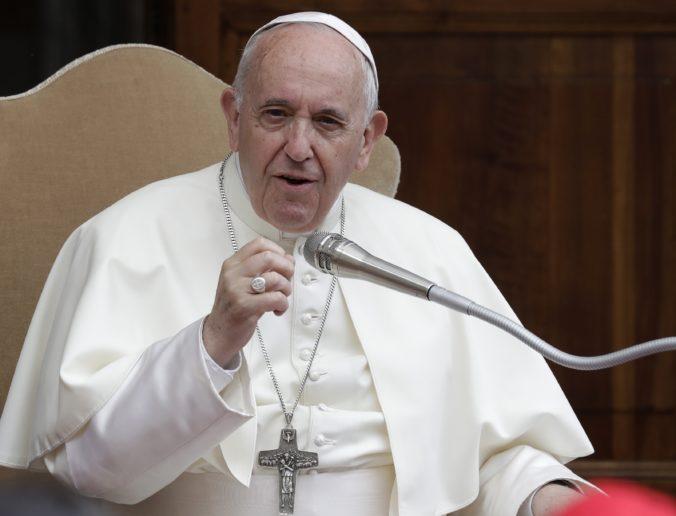 Pápež prijal rezignáciu biskupa kritizovaného v súvislosti so sexuálnym zneužívaním
