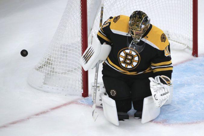 Video: Halák oslávil jubileum v NHL čistým kontom, podľa Cassidyho môže byť jednotkou Bruins