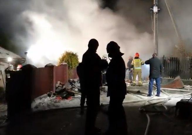 Video: V meste Szczyrk sa po výbuchu plynu zrútil dom, v troskách našli telá štyroch obetí