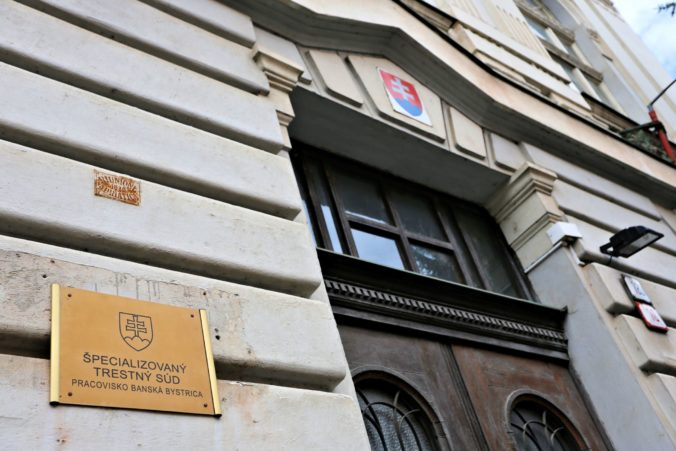 """Pred špecializovaným súdom v Banskej Bystrici pokračoval proces s Kýblom a """"sýkorkami"""""""