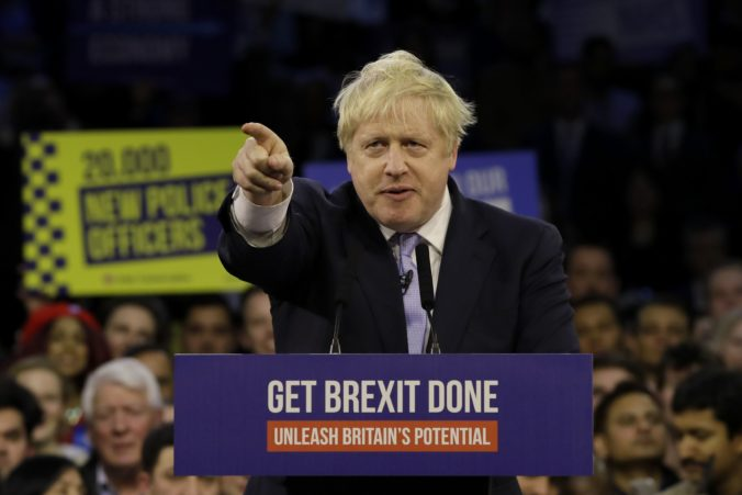 Briti si volia poslancov dolnej komory parlamentu, konajú sa predčasné voľby