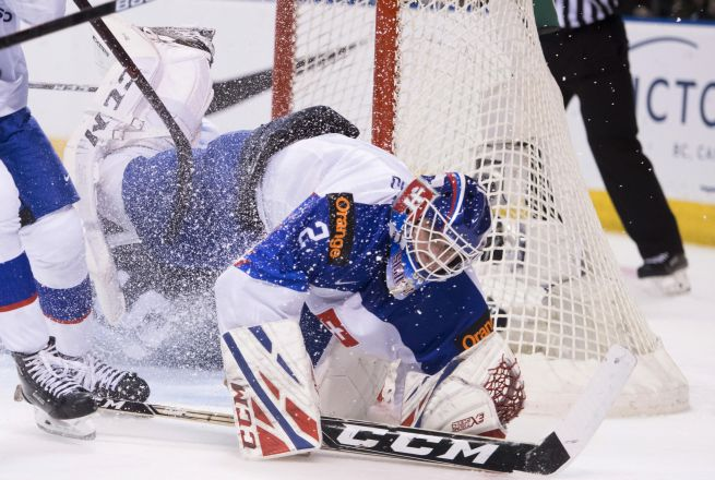 Slovenskí hokejisti do 20 rokov sa pripravujú na svetový šampionát, Petrovický urobil prvé škrty