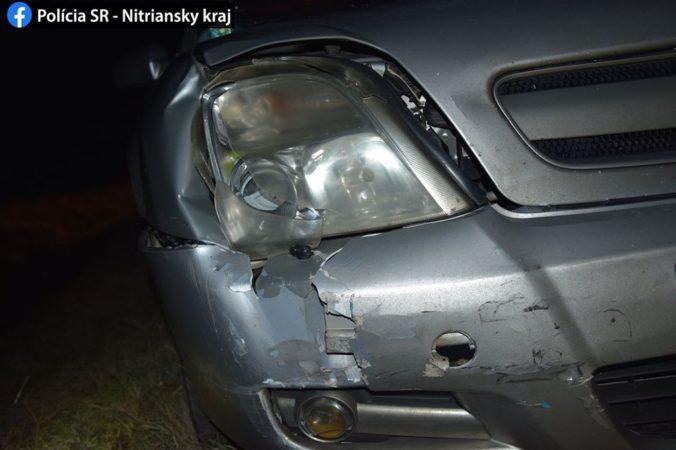 Foto: Chodca v tmavom oblečení zrazilo auto, v nemocnici bojuje o život