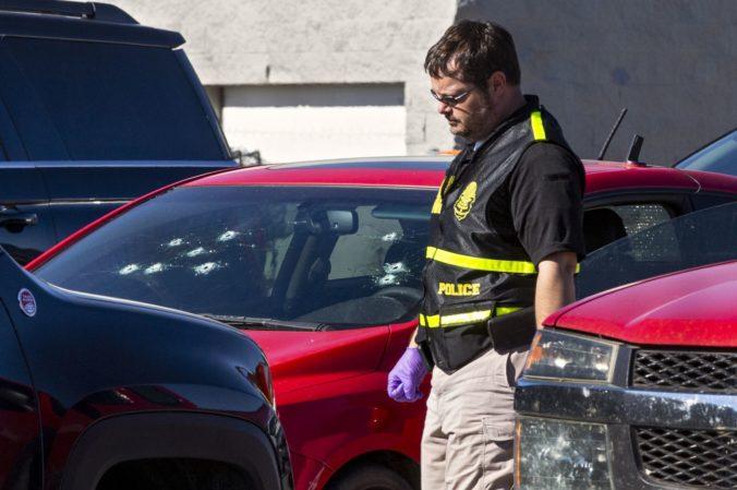 Muž po hádke vytiahol zbraň a v nákupnom centre začal strieľať, obeť zasiahol do hrudníka