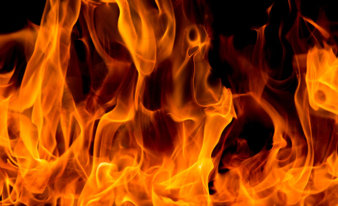Pri požiaru domu zahynulo päť osôb, boli medzi nimi tri deti
