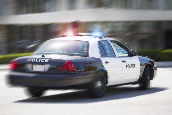 Žena v USA schválne zrazila 14-ročné dievča, pretože ju považovala za Mexičanku
