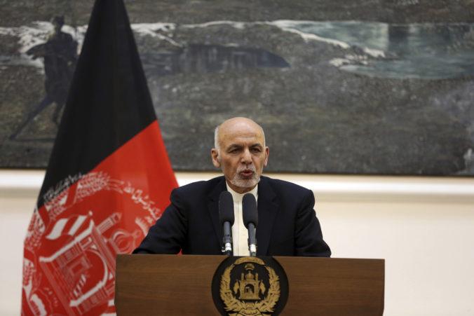 Afganský prezident Ašraf Ghaní podľa predbežných výsledkov volieb obhájil svoj post