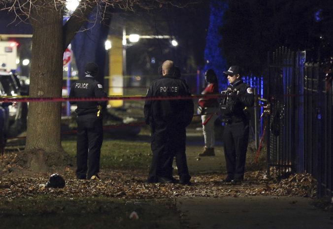 Na večierku v Chicagu sa strieľalo, z trinástich zranených sú štyria v kritickom stave