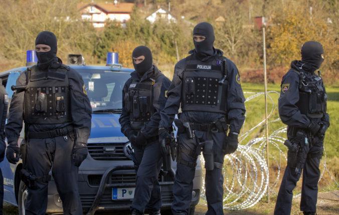 Policajti si pomýlili ladičku s výbušninou, vyhlásili poplach a uzavreli hraničný priechod