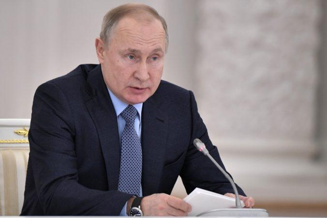 Putin obvinil Poľsko z toho, že môže za vypuknutie druhej svetovej vojny