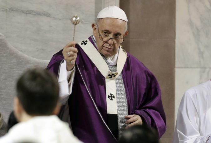 Pápež František vyzval na motlitby za desiatky obetí teroristického útoku v Somálsku