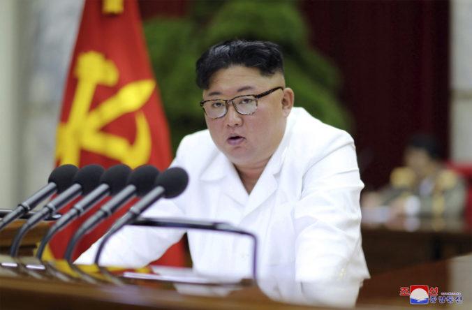 Kim Čong-un vyzval armádu a diplomatov, aby pripravili opatrenia na ochranu bezpečnosti krajiny