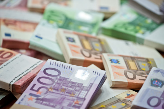 Hrubá minimálna mzda na Slovensku od januára stúpne na 580 eur