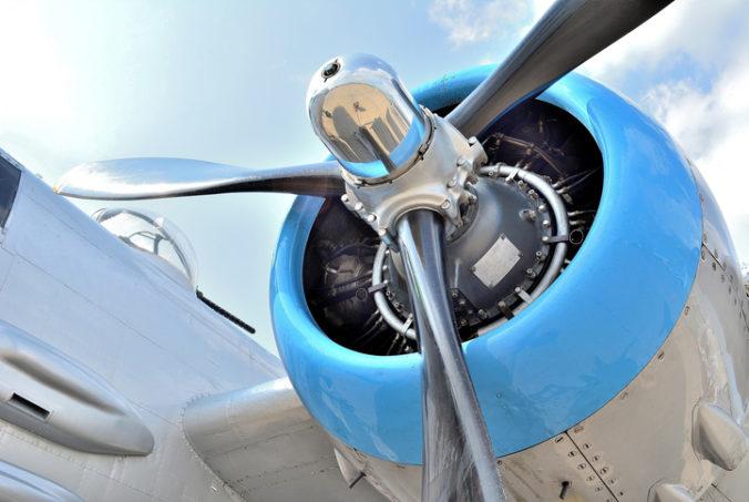 Letel po prvý raz lietadlom a dostal mastnú pokutu, do motora hodil mince pre šťastie
