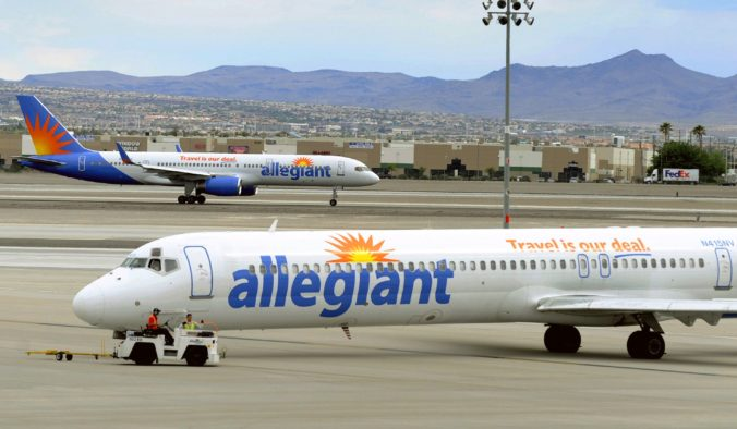 Lietadlo so 151 cestujúcimi muselo núdzovo pristáť, dôvodom rozsvietená výstražná kontrolka