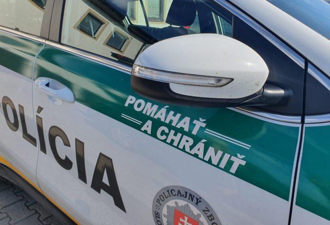 Muž utrpel po útoku nožom na Nový rok vážne zranenia, polícia žiada ľudí o informácie