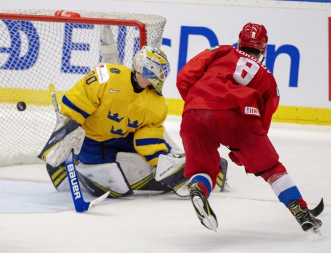 Rusko pre predĺžení zdolalo Švédsko a postúpilo do finále MS v hokeji do 20 rokov (video)