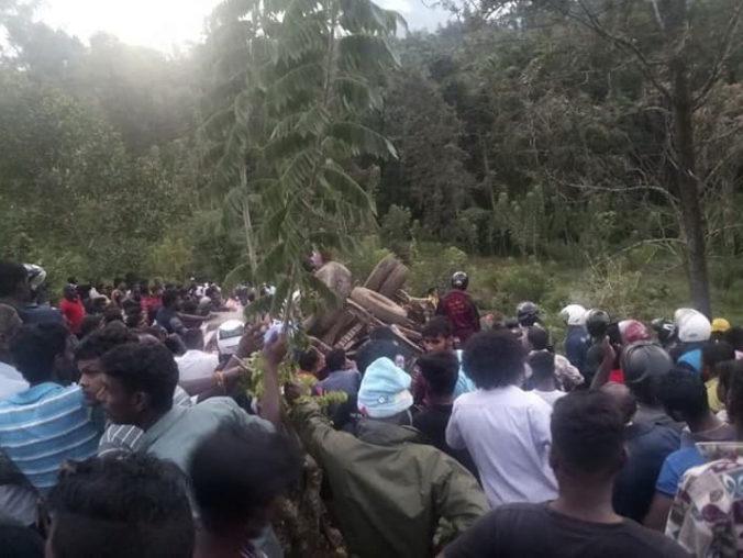 Autobus v Srí Lanke zišiel z cesty a spadol do priepasti, nehodu neprežilo šesť ľudí