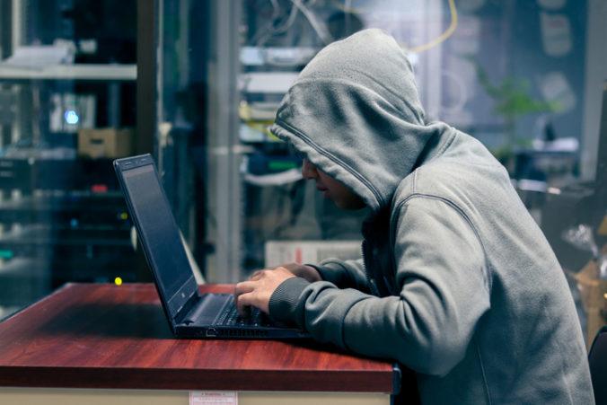 Hackeri v reakcii na smrť iránskeho generála Solejmáního napadli americkú vládnu webstránku