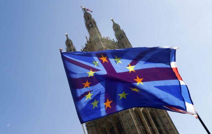 Britskí poslanci schválili zákon o vystúpení z Európskej únie, brexitu už nič nestojí v ceste