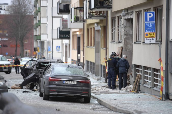 Silný výbuch otriasol centrom Štokholmu, polícia musela evakuovať ľudí (foto)