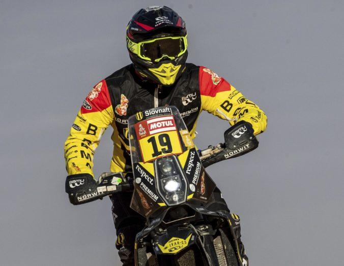 Štefan Svitko je na Rely Dakar stále v top 10, víťazom deviatej etapy sa stal Quintanilla (video)