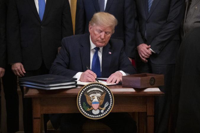 USA a Čína podpísali prvú fázu obchodnej dohody, má zmenšiť napätie v spore