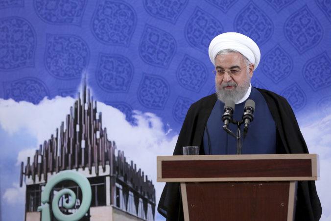 Irán už nemá limit pre obohacovanie uránu, ale americké sankcie sú pre ekonomiku bolestivé